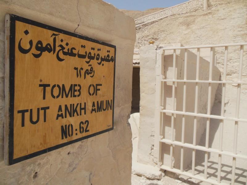 King tut ankh Amon tomb -in-luxor-Egypt2