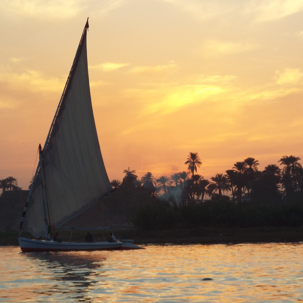 Sunset_in_Luxor-Egypt2